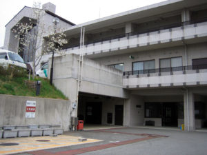 B1階 玄関(訪問介護事業所前)