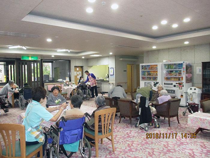 月に1度の宝塚シニア喫茶店